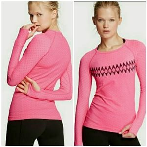 Deal of the day. VS sport top. SZ XS 30% off